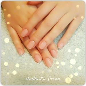 mlijecni-pink-nokti